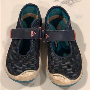 Plea shoes size 8.5